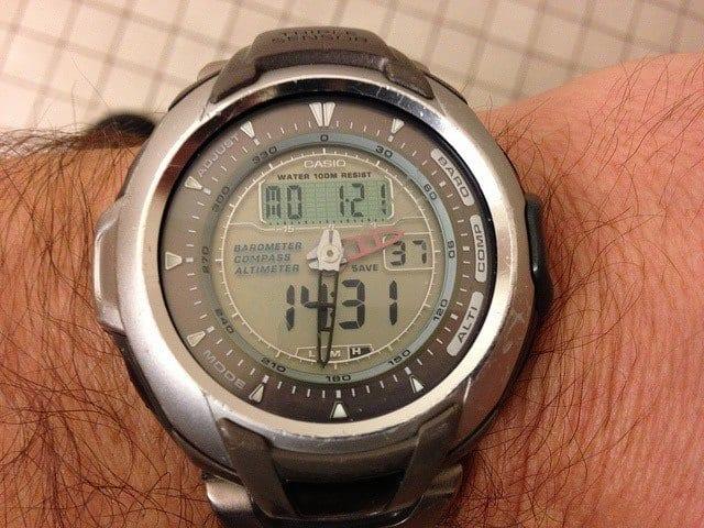 display-altimeter-watch