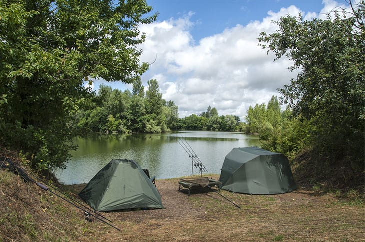 Best fishing gear for a camping trip rainy adventures for Campsites with fishing