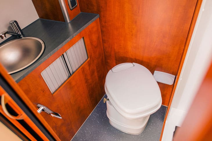 5 Must-Have Items for Your RV Bathroom