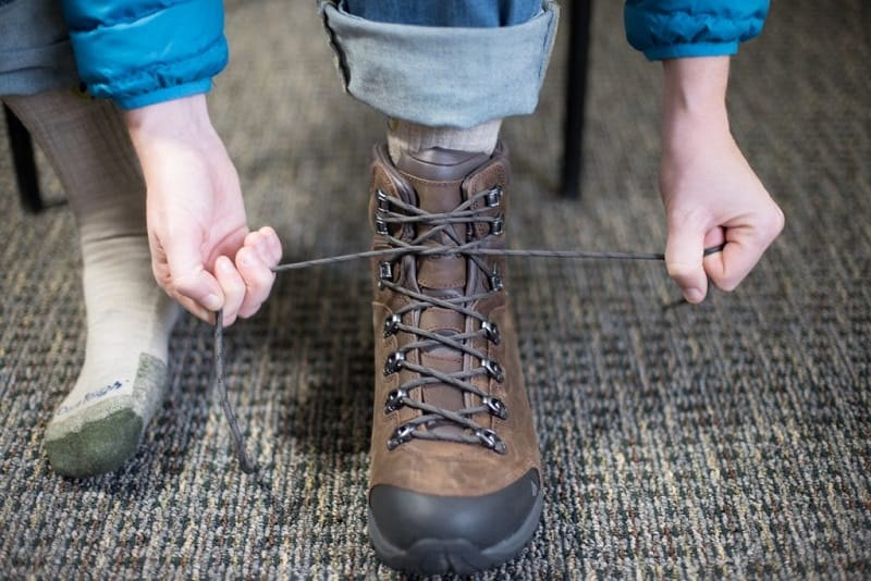 Lacing Hiking boots
