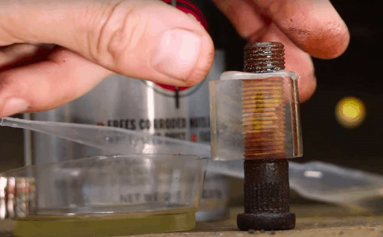 Cleaning Rust From Screw