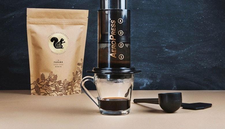 making an aeropress coffee